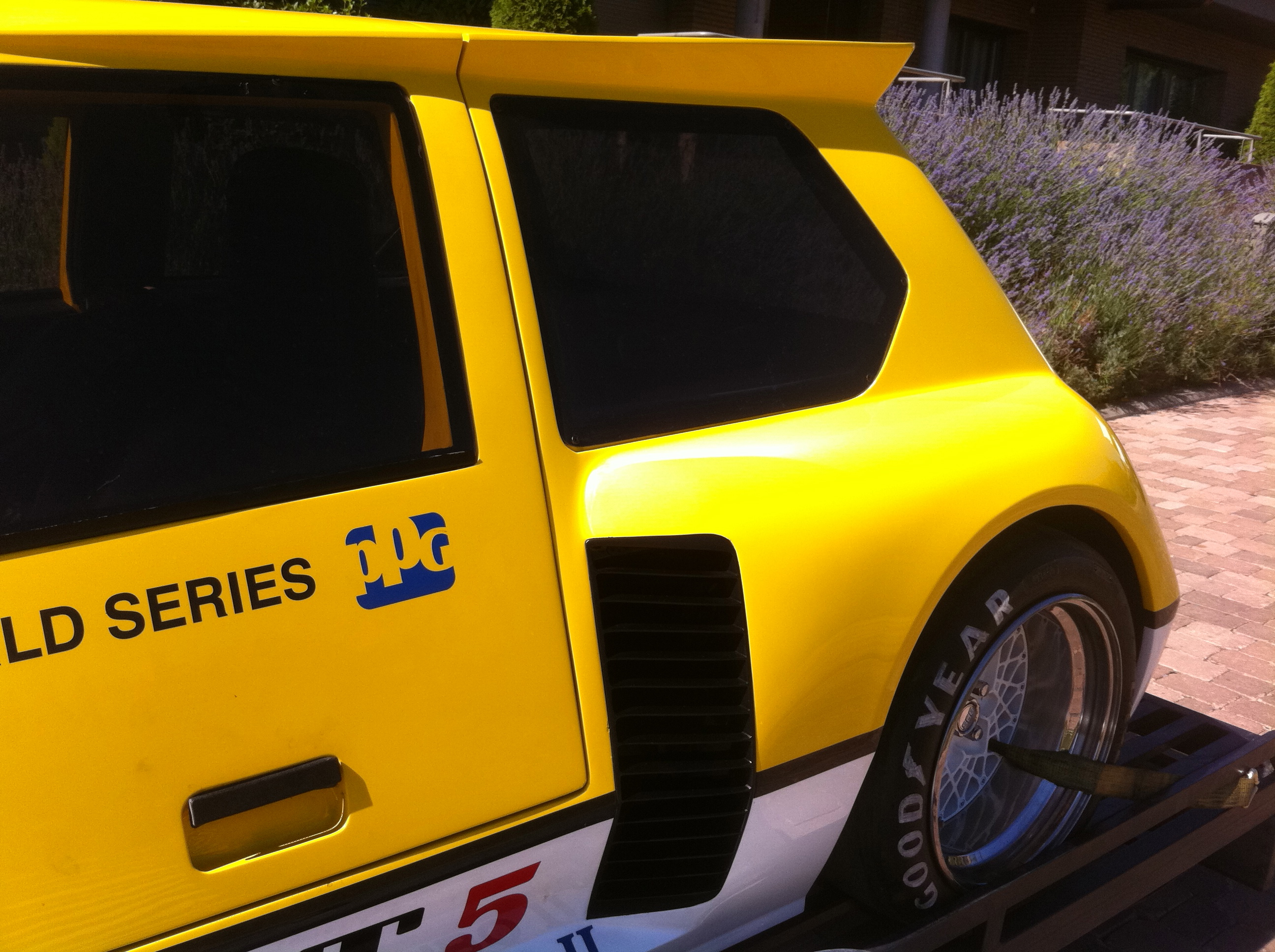 img_4307 & Renault 5 Turbo Indi safety car PPG (Gullwing doors) - Classic Road Pezcame.Com